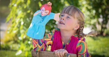 niña marioneta