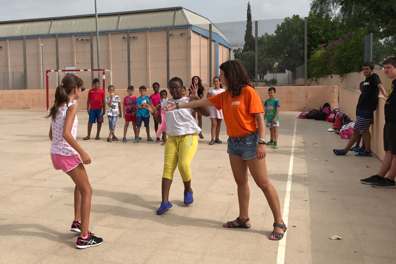Juegos tradicionales valencianos para divertirse con los niños