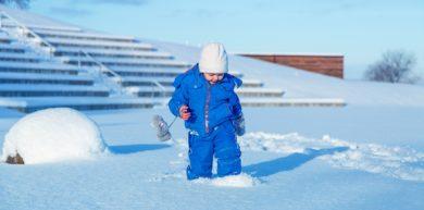 Juegos en la nieve para padres e hijos