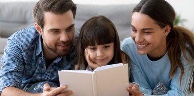 Las ventajas de leer y escuchar cuentos infantiles