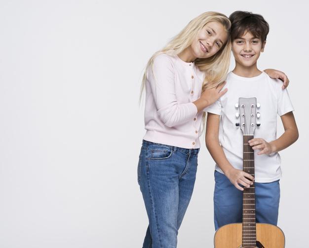aprender a tocar la guitarra niños