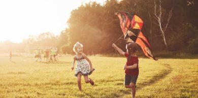 Verano con niños y niñas: 4 ideas para aprender jugando
